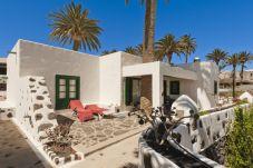 Villa for 6 people in Haría