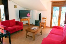 Apartment with parking in Ordino