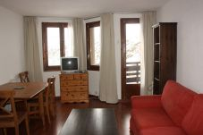 Apartment for 6 people in Pas de la Casa