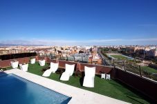 Apartment with swimming pool in Campanar area