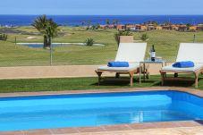 Villa in Caleta de Fuste for 6 people with 3 bedrooms