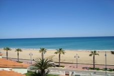 Apartment with 1 bedroom at 500 m from the beach