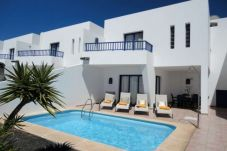 Villa in Playa Blanca for 6 people with 3 bedrooms