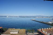 Apartment with 2 bedrooms in Rosas / Roses